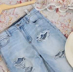 Tinseltown blue distressed jeans